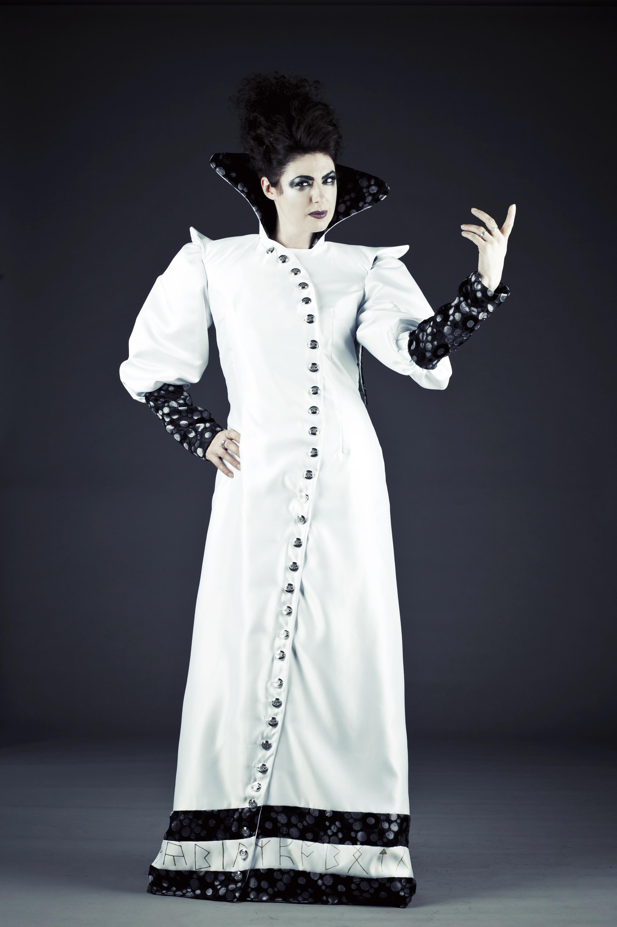 Sybil costume design